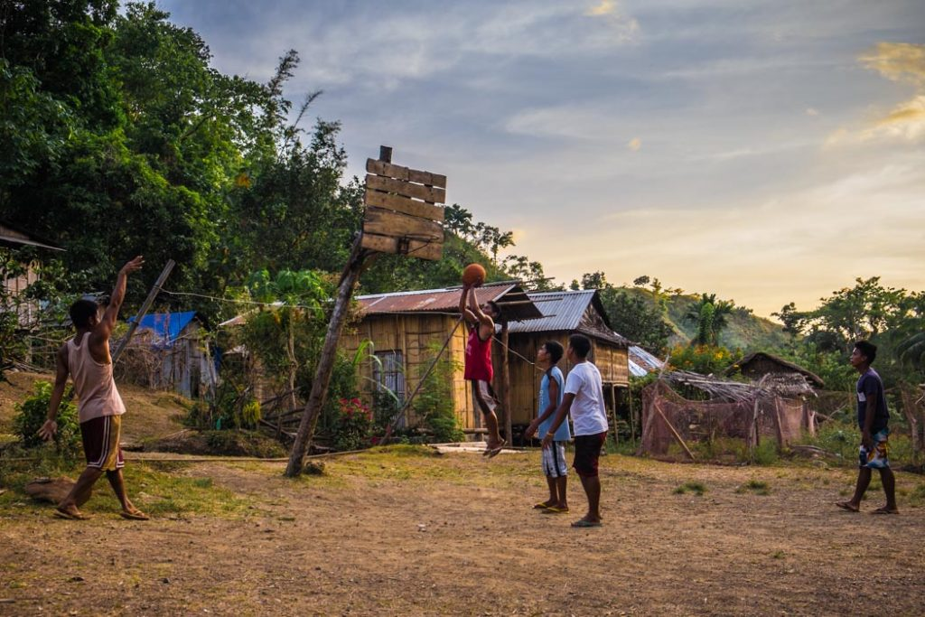 Basketball in the Philippines: anywhere and anytime. You can find a basketball court in every single town and village here, where usually a lot of improvisation is involved in constructing the court.