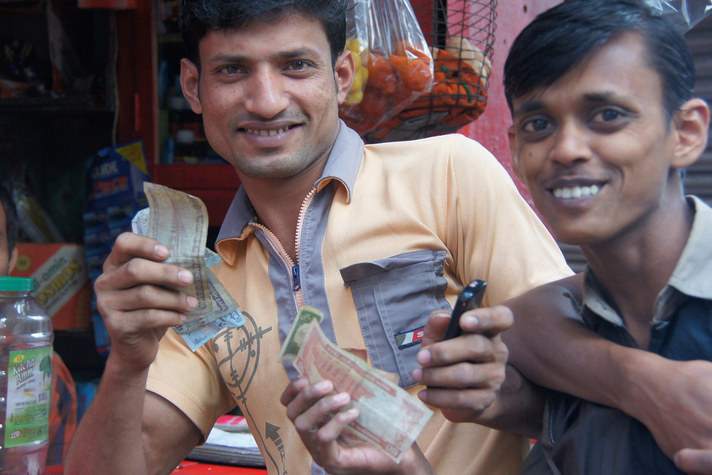 Smiling faces from Bangladesh travel photo essay