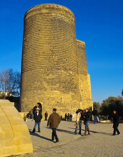 Maiden Tower by CC user teuchterlad on Flickr