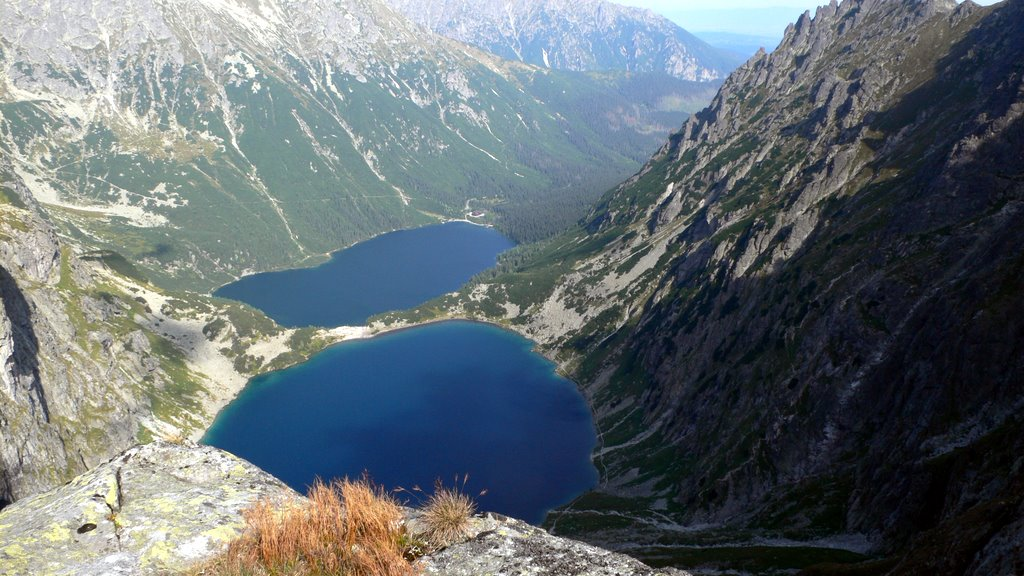 Morskie Oko lakes by CC user smashedpasta on Flickr